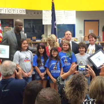 Vince Young Helps E3 Alliance,  Hays CISD